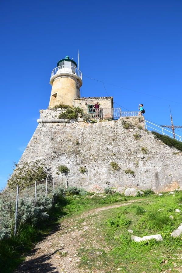 12_Kreuzfahrt-oestliches-Mittelmeer-Alte-venezianische-Festung-Leuchtturm-Korfu-Stadt-Griechenland