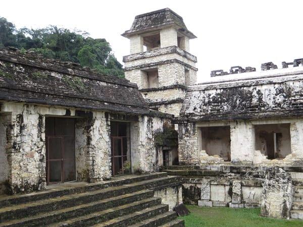 Palenque Mexiko Sehenswürdigkeiten Maya Stätte Ruine Palast