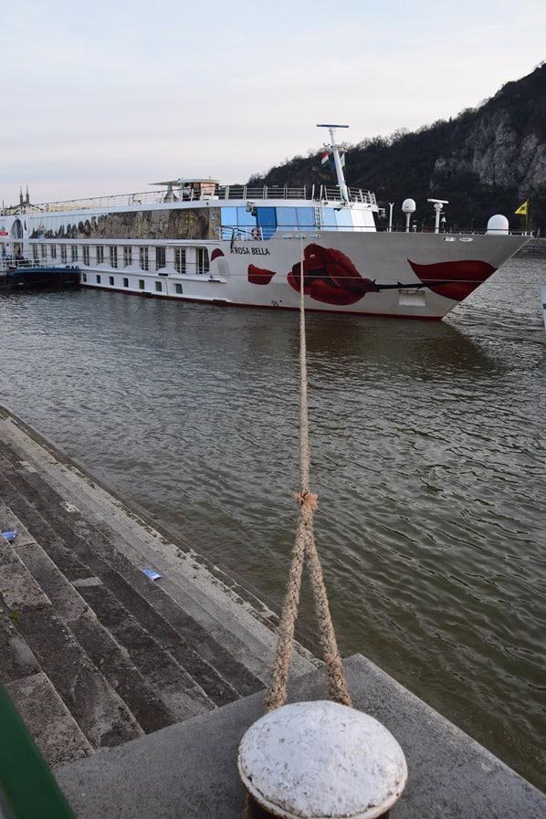 Donaukreuzfahrt Flusskreuzfahrt Donau a-rosa bella Anleger Budapest Ungarn