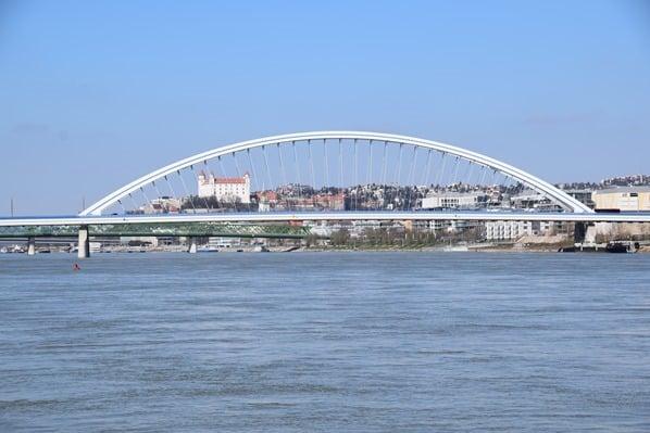 flusskreuzfahrt donau kreuzfahrt Ankunft Bratislava Slowakei