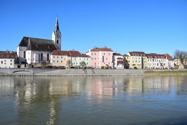 arosa Flusskreuzfahrt Donau Fluss Spiegelung Reflektion Ybbs Österreich