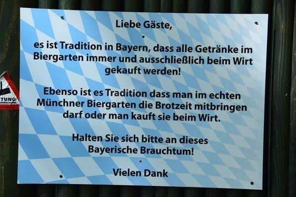 Bayerischer Biergarten Tierpark Hellabrunn Zoo Muenchen