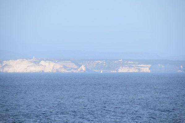 05_Kueste-Korsika-Kalkfelsen-Bonifacio-Capo-Testa-Sardinien-Italien