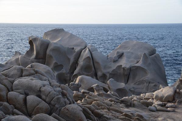 10_bizarre-Felsen-Capo-Testa-Sardinien-Italien