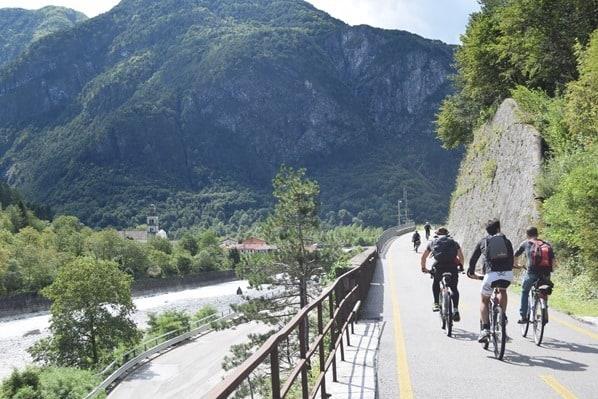 Ciclovia Alpe Adria Radweg Radfahrer Radler Friaul Julisch-Venetien Italien