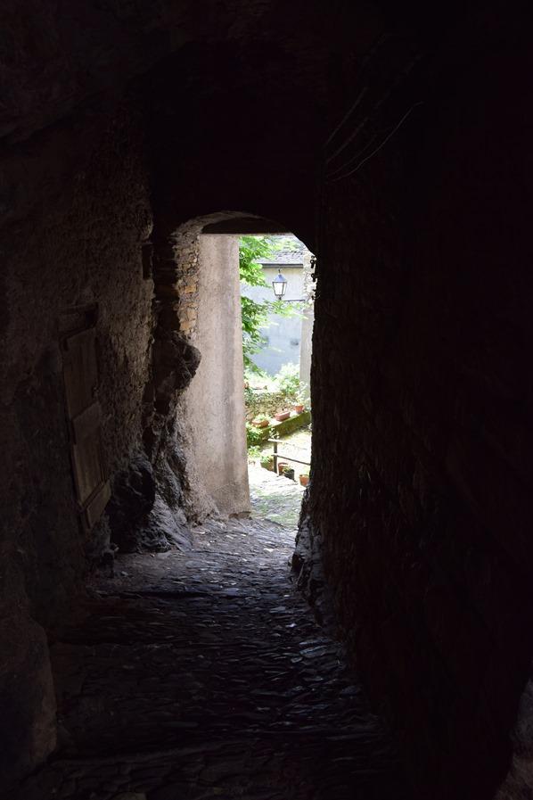 Triora mittelalterliche Gassen Hexendorf Ligurien Italien