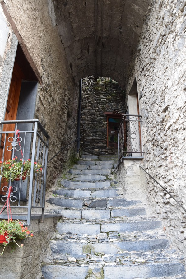 Triora Treppen Hexendorf Ligurien Italien