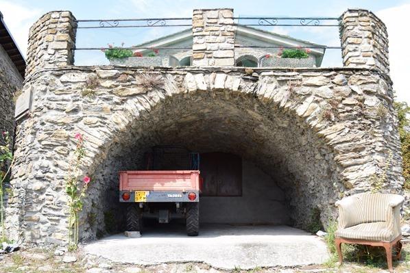 Triora mittelalterliche Garage Hexendorf Ligurien Italien