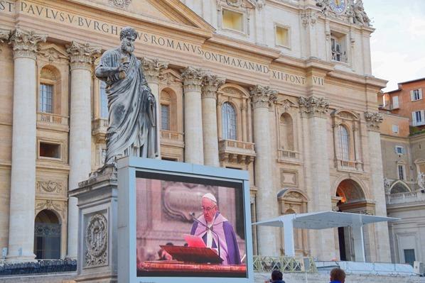 Vatikan Rom Papst Franziskus live TV Petersplatz Petersdom Italien
