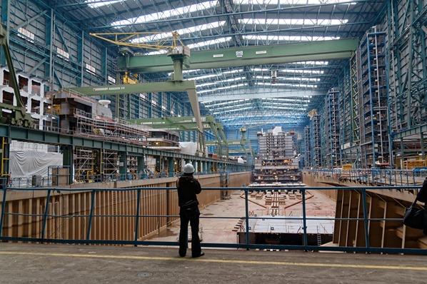 Meyer-Werft-Papenburg-Ostfriesland-Deutschland