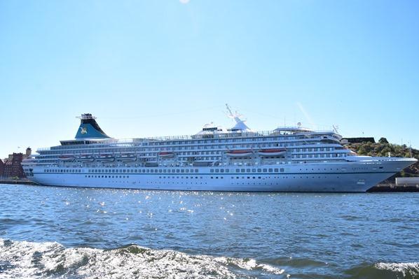 Stockholm Hafen Verrückt nach Meer Kreuzfahrtschiff MS Artania Schweden Ostsee Kreuzfahrt