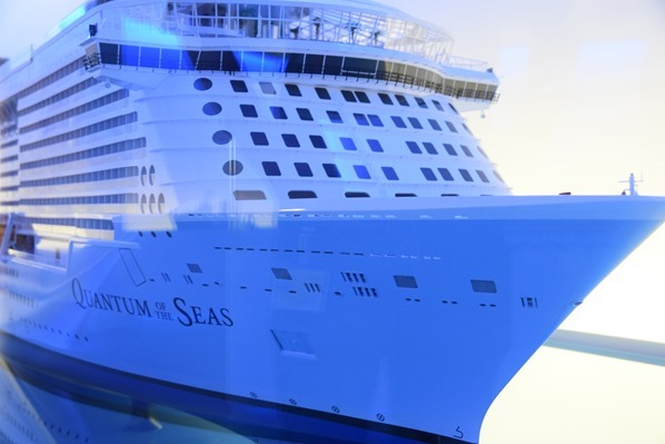 04_Kreuzfahrtschiff-Royal-Caribbean-Quantum-of-the-Seas-Modell-Meyer-Werft-Papenburg