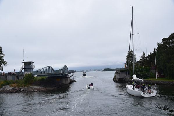 Bootstour Schwenkbrücke Helsinki Sehenswürdigkeiten Finnland Minikreuzfahrt Ostsee Baltikum