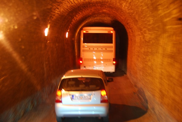 Tunnel Kreta Chania Griechenland