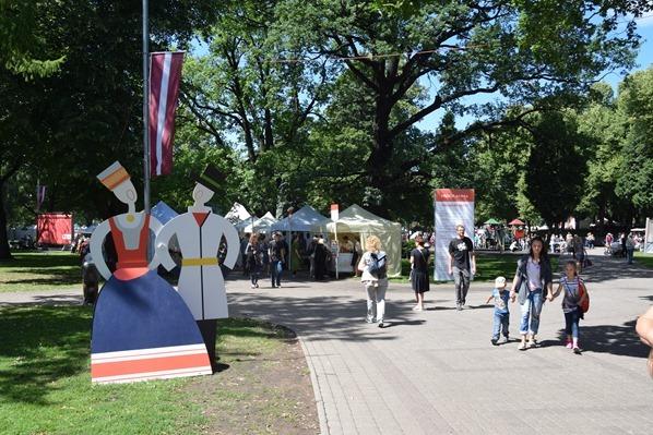 historischer Markt Sängerfest Riga Lettland Ostsee Kreuzfahrt