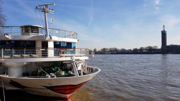 arosa flusskreuzfahrt rhein anleger köln deutschand a-rosa aqua