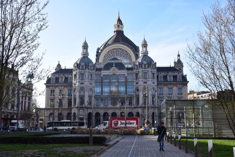 20 centraal station hauptbahnhof antwerpen belgien a rosa flusskreuzfahrt rhein