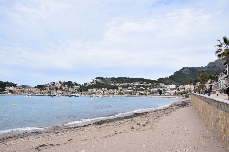 18 hafen strand puerto de soller mallorca balearen spanien