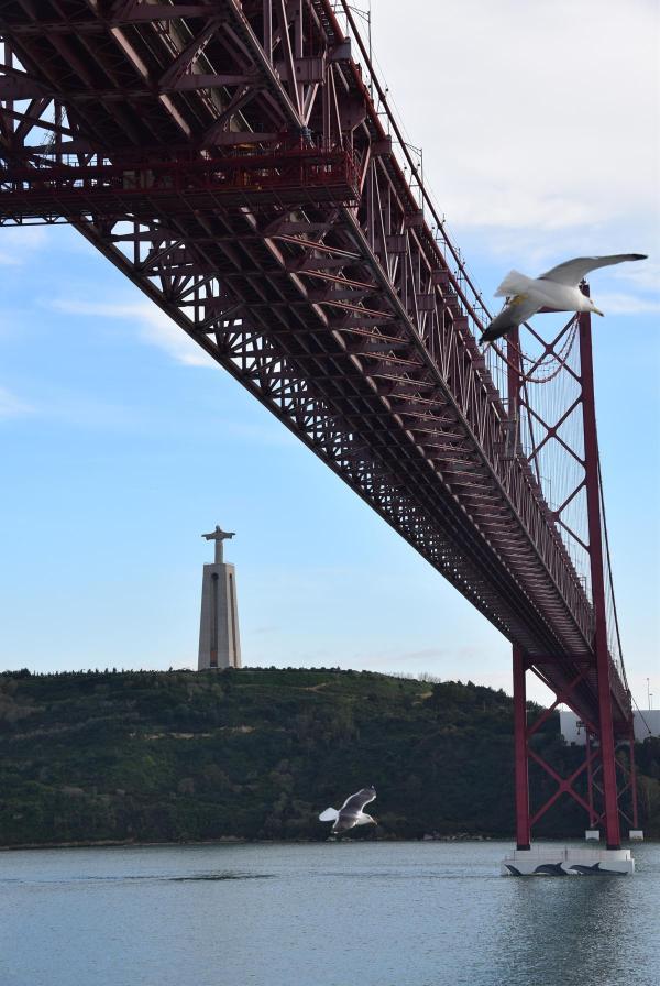 ablegen aidamar tejo ponte 25 de abril lissabon portugal aida kreuzfahrt