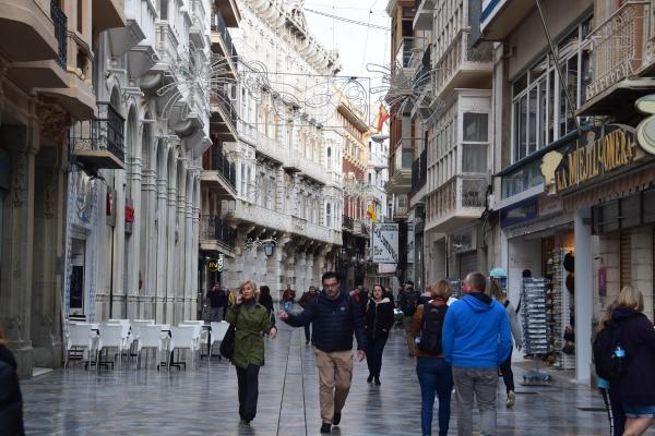 shoppingmeile einkaufsstrasse cartagena spanien aida familien kreuzfahrt