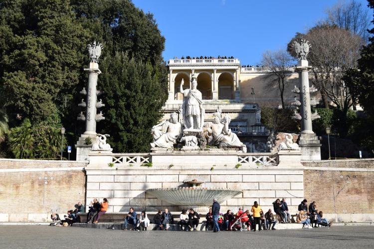 spaziergang piazza del popolo rom italien dezember