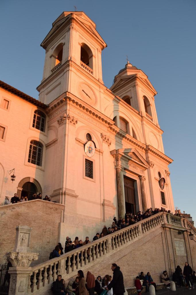 kirche chiesa trinita dei monti spanische treppe rom italien