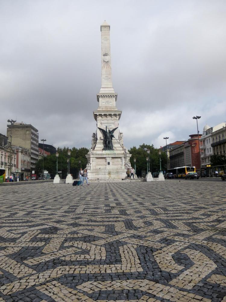 Städtetrip Lissabon Sehenswürdigkeiten Praça dos Restauradores Calçada portuguesa Portugal