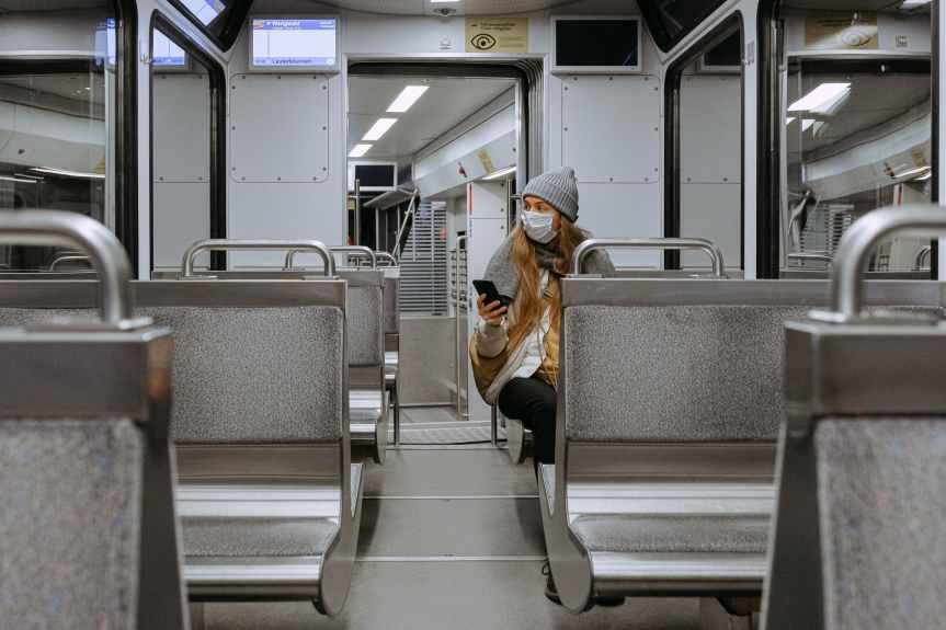 10 Ideen, wie du virtuell sozial sein kannst, um dich weniger einsam zu fühlen
