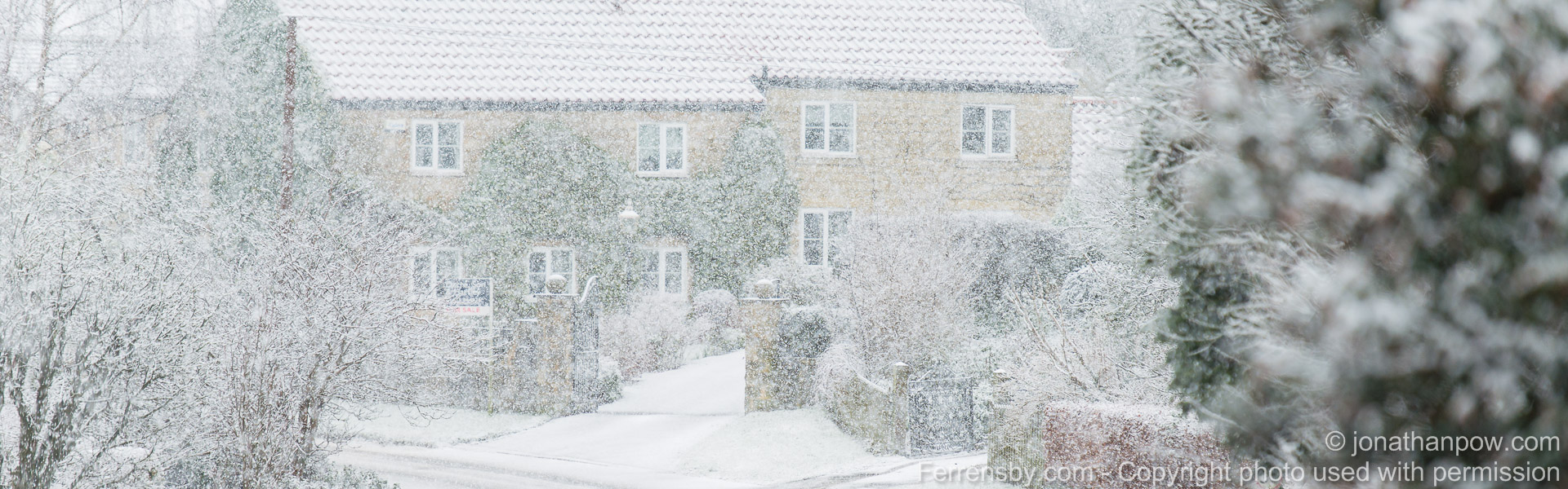 In Ferrensby, near Harrogate, North Yorkshire   WEATHER - Snow hits the North of England, following severe weather warnings from the MET office - Picture date Wednesday 2 March, 2016 (Ferrensby, North Yorkshire)    Photo credit should read: Jonathan Pow/jp@jonathanpow.com