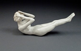 "Coille Hooven ""The Howl"" 1991, porcelain, 3.5 x 8.5 x 3""."