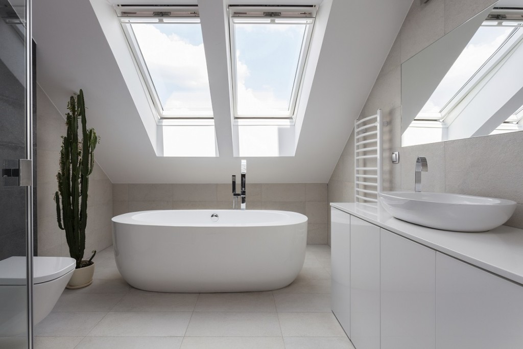 7 Ways To Add Natural Light To Your Bathroom