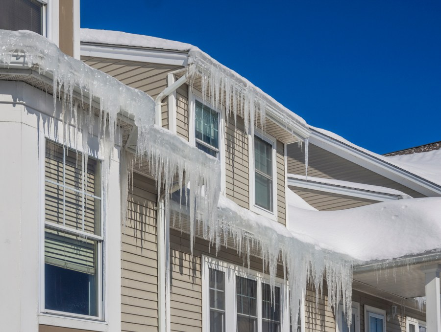 Watch for These 5 Common Roofing Issues This Winter
