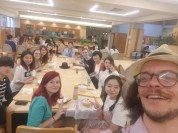 Ferris Group at Restaurant in Japan. Courtesy of Honors student, Garrett McCarthy.