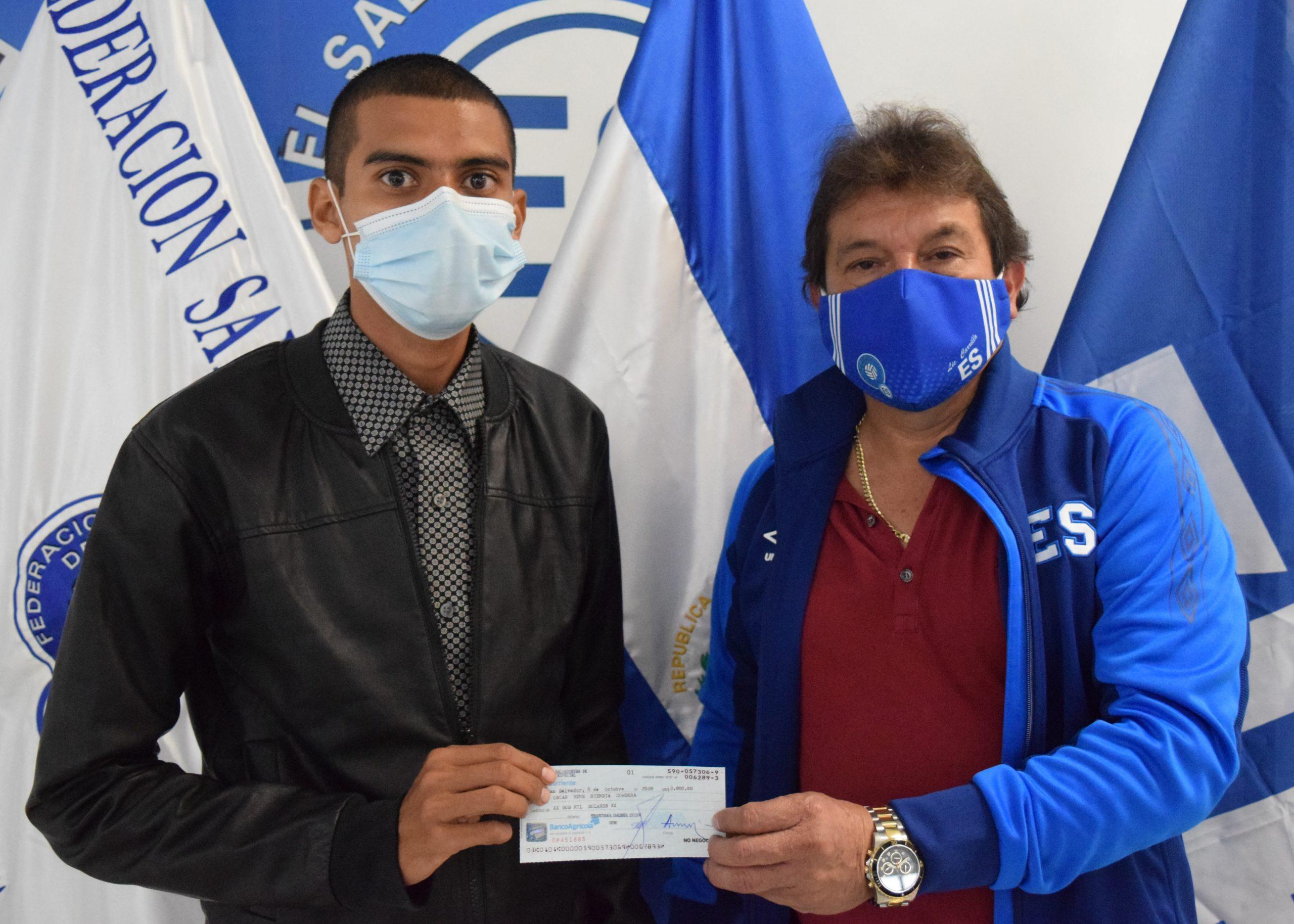 Oscar Buendía, Juventud Bataneca Fútbol Club de San Sebastián, San Vicente.