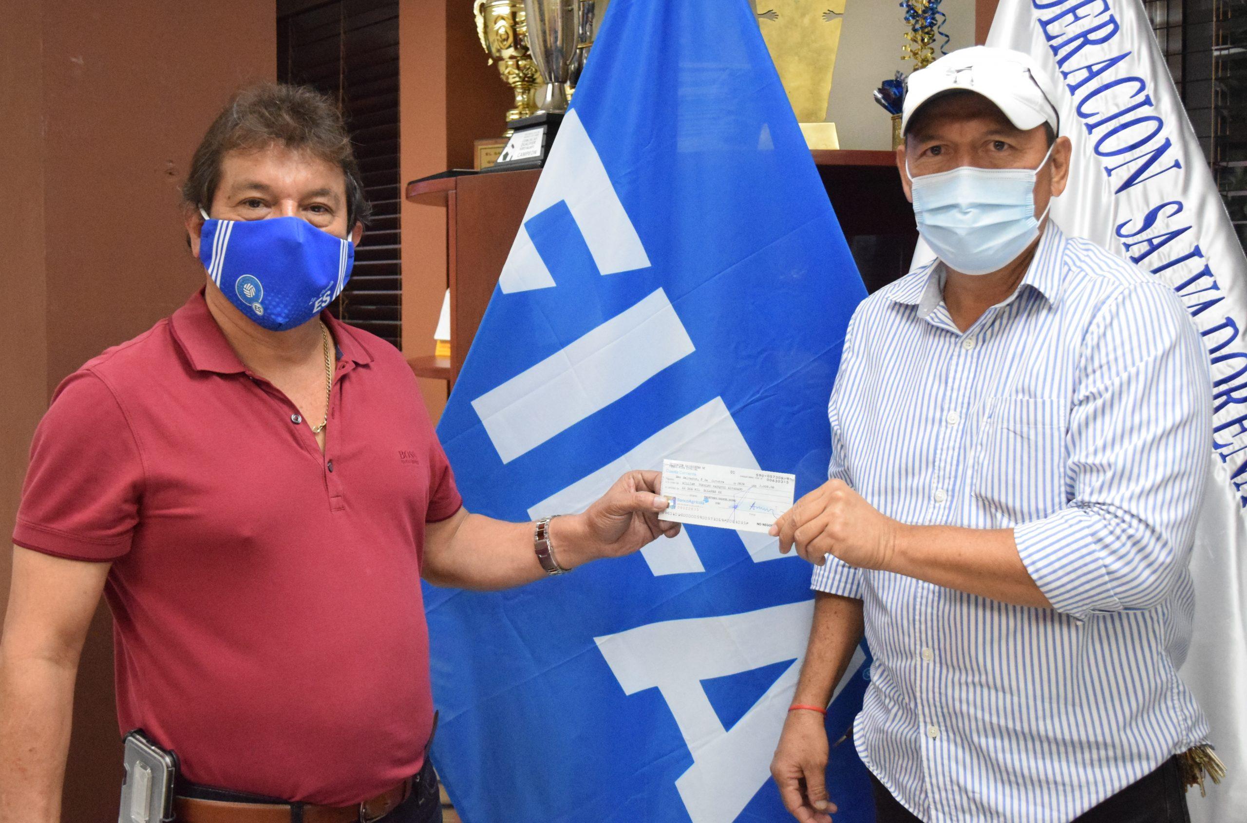 Señor William Márquez de Club Deportivo Halcones de Ereguayquin, Usulután