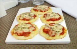 minipizza-de-pao-de-queijo-1024x663