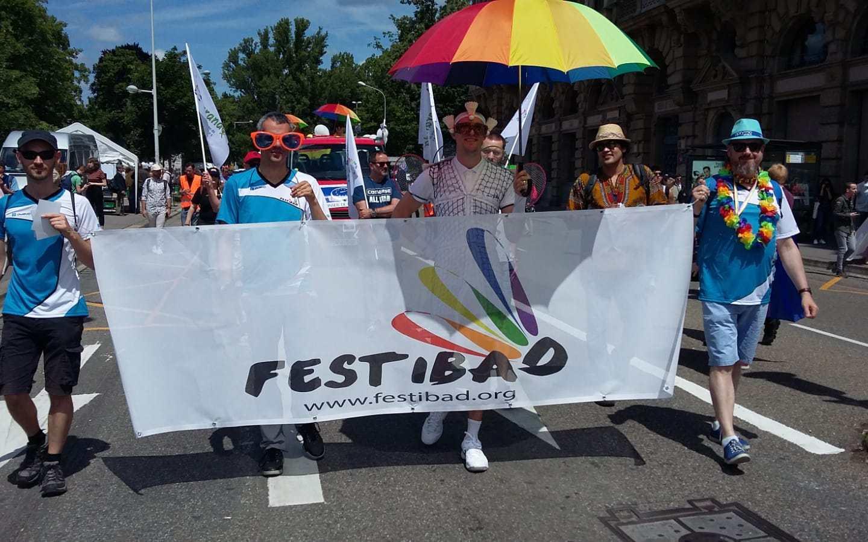 FestiBad a fièrement défilé à la Marche des Visibilité