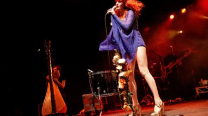 Florence and the Machine Live 2010 (2)