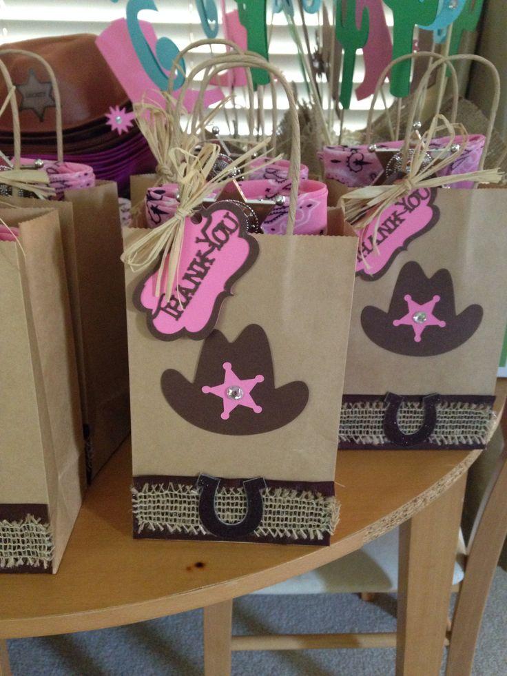 Fiesta tem tica de vaqueros festilu - Ideas para decorar zapatos de nina ...