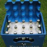 Festival Gadgets Eisblock Bier- und Getränkekühler 0,5 Liter Flaschen Bierkastenkühler