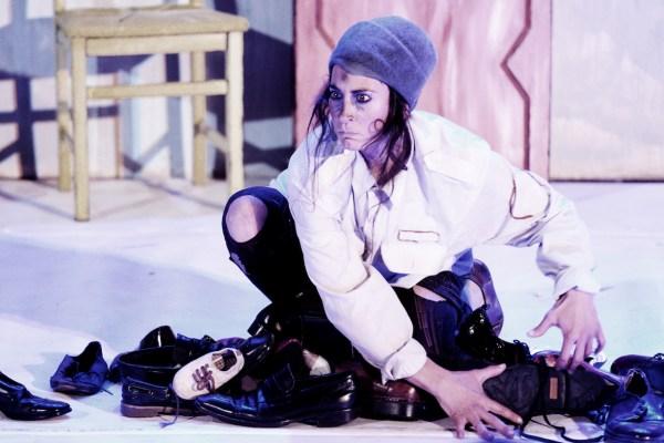 Nimú Circo Teatro  · Ni pies ni cabeza