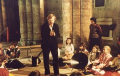 1983 dans l'église Saint-Pierre, animations pendant tout le festival avec Vincent Baschet