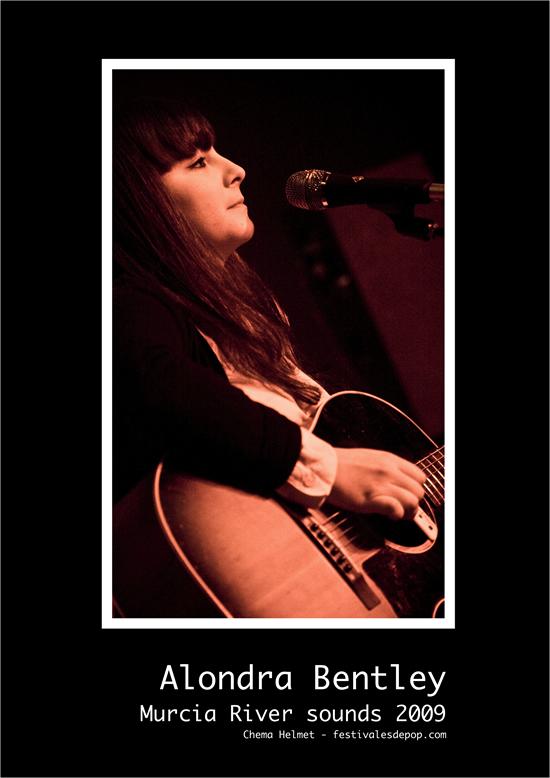 Alondra Bentley en concierto - Foto: Chema Helmet