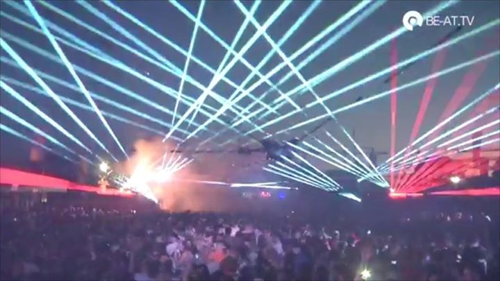 How sick were those lasers in the Switchyard at sunset   (watch til the end!)...