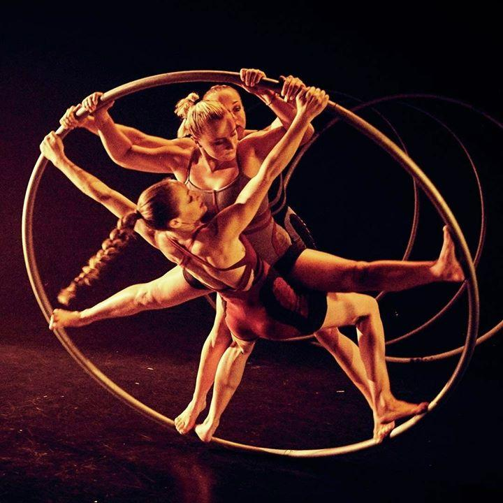 Comprising three multi-skilled contemporary circus performers, the all-woman Alu...