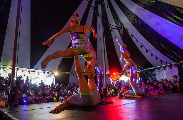 🤹️LET'S CIRCUS STREET SHOW🤹️ Thurs – Sat 12.30pm & 3pm daily at The Narrows. L...