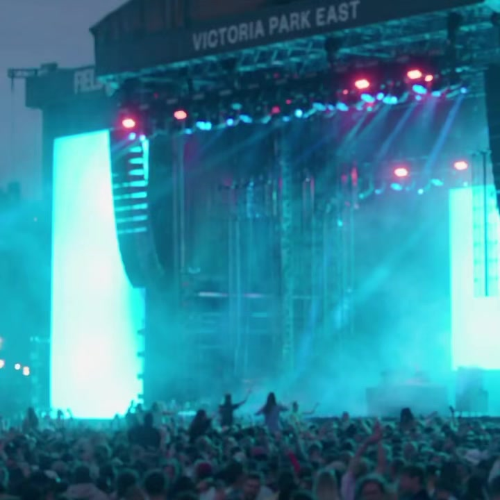 Who was there to witness Floating Points lay it down on the East Stage?  Field D...