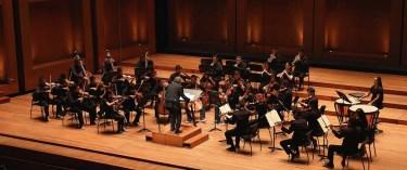 9. Viva Vivaldi - Filarmónica Joven de Colombia. Director y violinista: Adrián Chamorro, Colombia