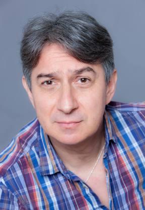 Lect. Univ. Dr. Mihai Bisericanu - teatru