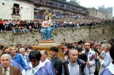 Processione al santuario di Polsi